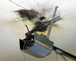 garage door motor unit broken1